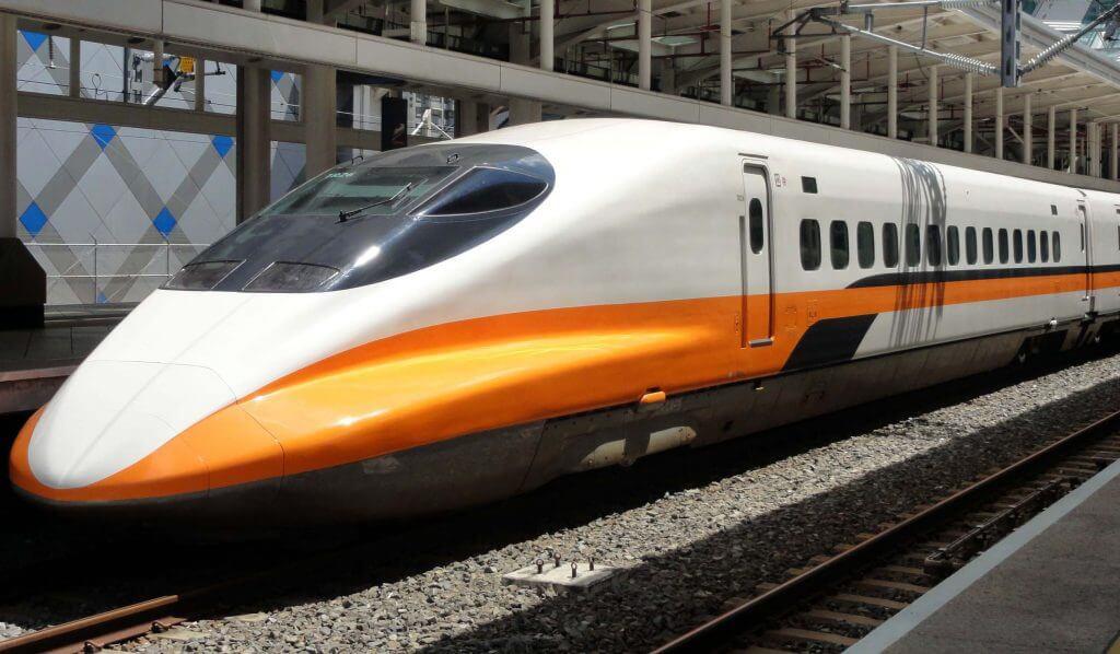 تفسير حلم رؤية القطار والسفر وركوب القطار في المنام لابن سيرين