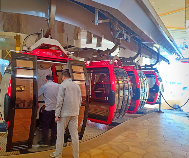 Cable Car In Wynn Palace
