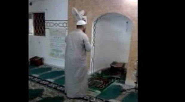 Video Imam Tarawih Ditinggal Kabur Jamaah Viral di Yordania