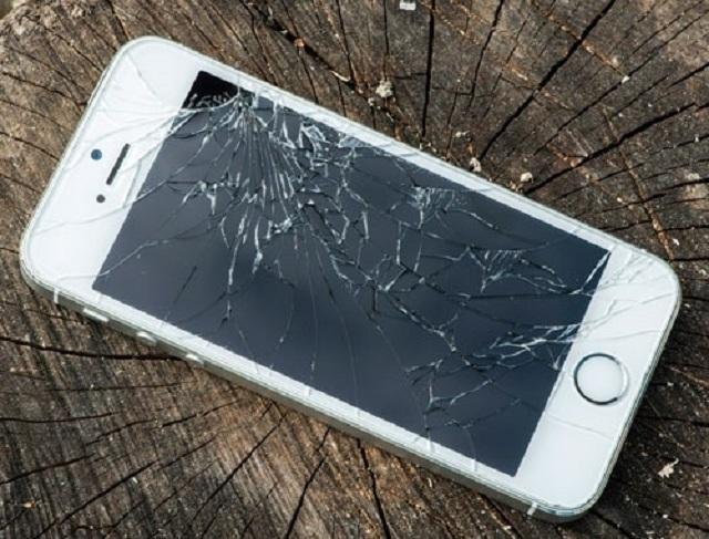 Iphone 5 bị vỡ mặt kính
