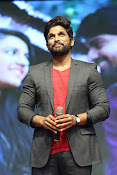 Allu Arjun at Oka Manasu Audio launch-thumbnail-8