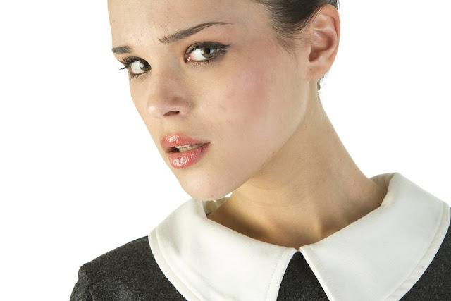 faire un maquillage naturel - teint naturel - teint lisse - maquillage des yeux - maquillage de la bouche - teinte fond de teint - blush