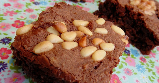 Brownie con avena y frutos secos