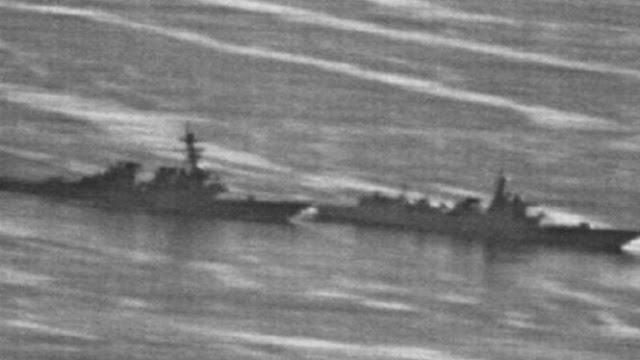Kapal Perang AS Nyaris Tabrakan dengan Destroyer China, Tegang