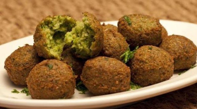 a delicious Middle Eastern recipe for crispy Traditional Falafel Recipe