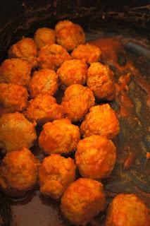 Crock Pot Buffalo Meatballs: Savory Sweet and Satisfying