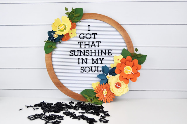 Die Cuts with a View Circle Letterboard with paper flowers designed by Jen Gallacher for Scrapbook & Cards Today Magazine. #letterboard #lettboardquotes #sctmagazine #jengallacher