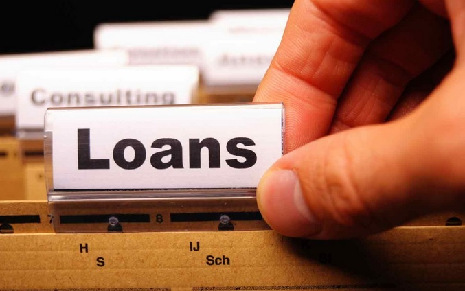 What do Lenders Look for While Giving Personal Loans?