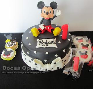 Um aniversário com o rato Mickey