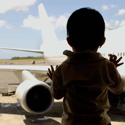 Long Haul Flight With Kids? Check Out These Top Tips
