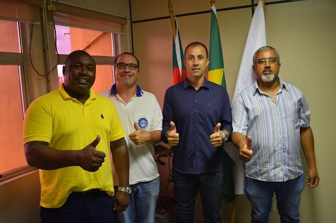Clebes Mendes discute permanência da GM em Gravataí