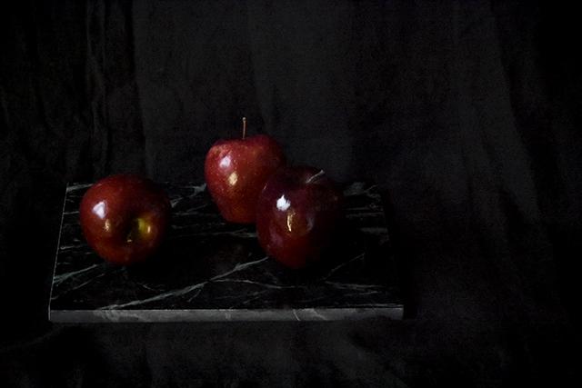 mirjami rajamäki,arkitunnelmia,sisustusblogi,sisustus,joulu,joulu2017,joulukoti,omena,marmorileikkuulauta, punaiset omenat, joulunpunainen