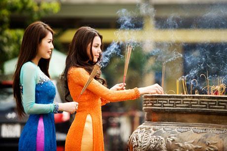 Đi chùa lễ Phật mà không thành tâm thì thà không đi còn hơn
