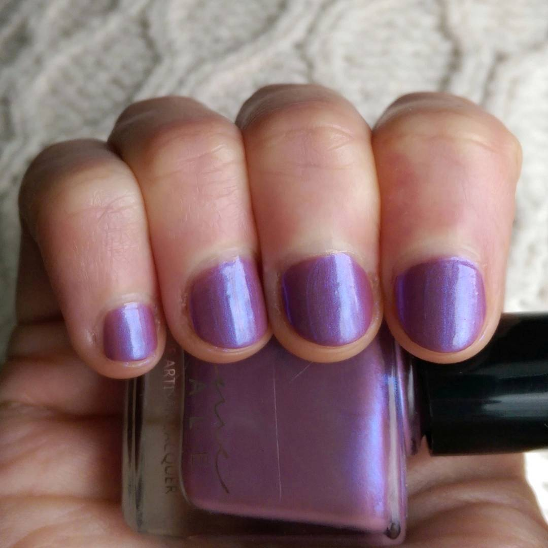 Stumpy Nails By StephanieNics