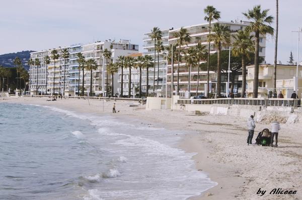 Plaja-din-Jean-Les-Pins-Coasta-de-azur