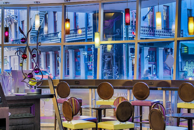 New Orleans celebrates Mardi Gras like nowhere else in the world. Step into the Royal St. Charles Hotel and you'll enter into a lobby dazzling with the color of parade floats, glass bead chandeliers and daily King Cake tastings.