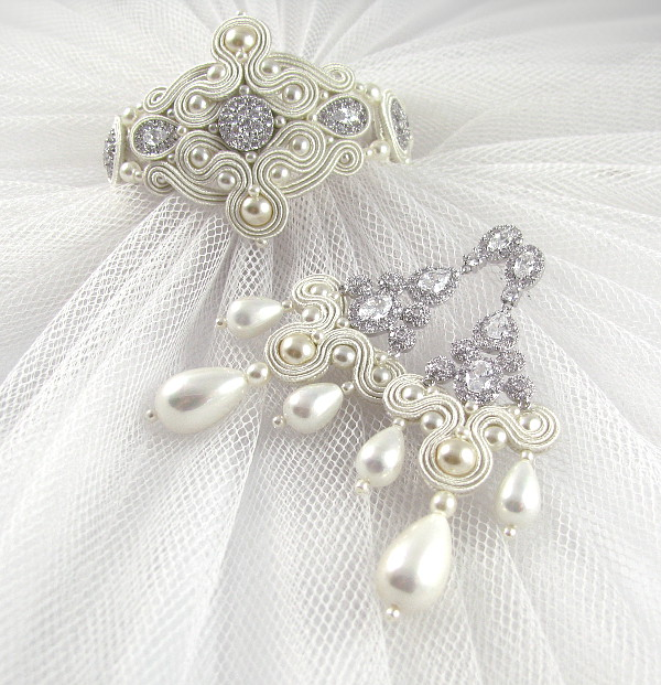 Komplet ślubny sutasz ivory z perłami.