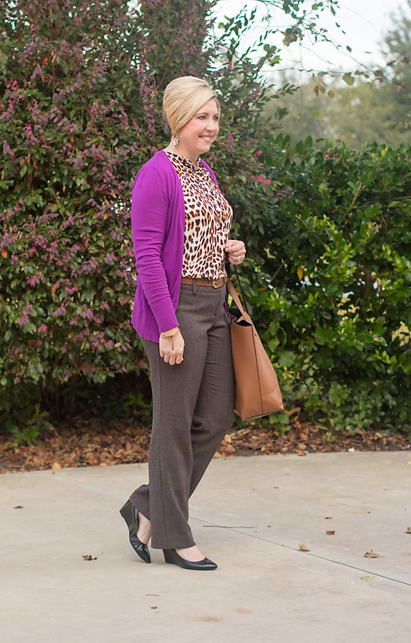 womens office outfit, brown trousers outfit