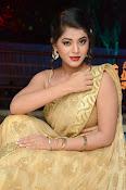 Yamini Bhaskar sizzling in saree-thumbnail-13