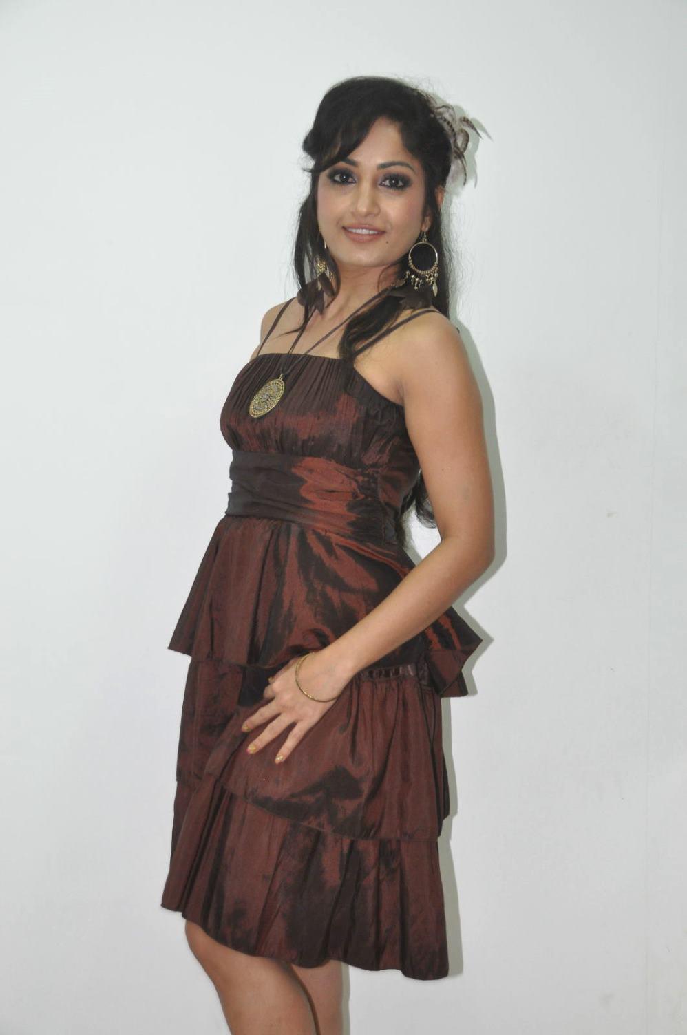 Madhavi latha photos at naturals spa launch