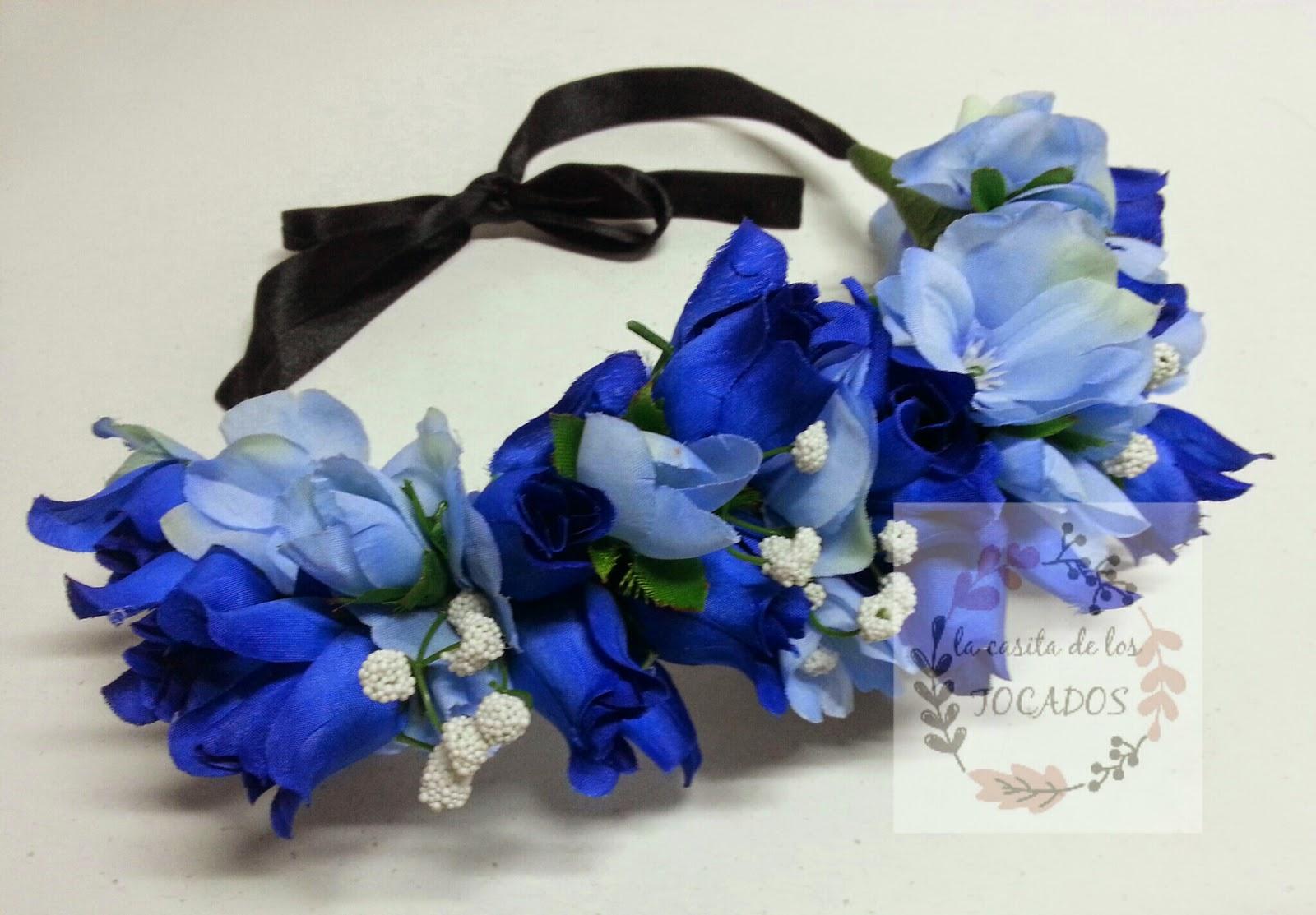 corona en color azul para boda o eventos de fiesta realizada artesanalmente