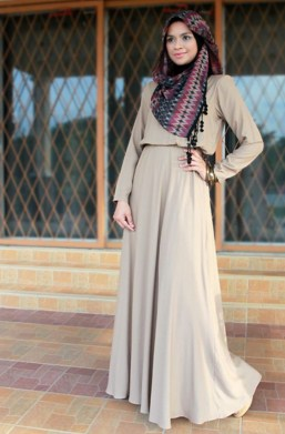 Hijab Dengan Maxi Dress