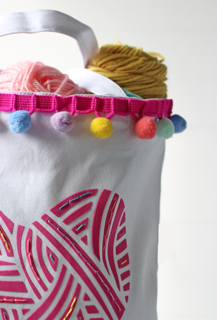 Make a custom yarn tote bag with a Silhouette machine