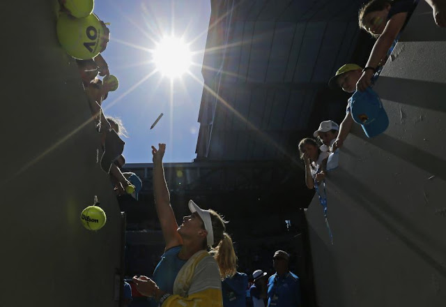 Best HQ Photos from the Men & Women 2017 Australian Open