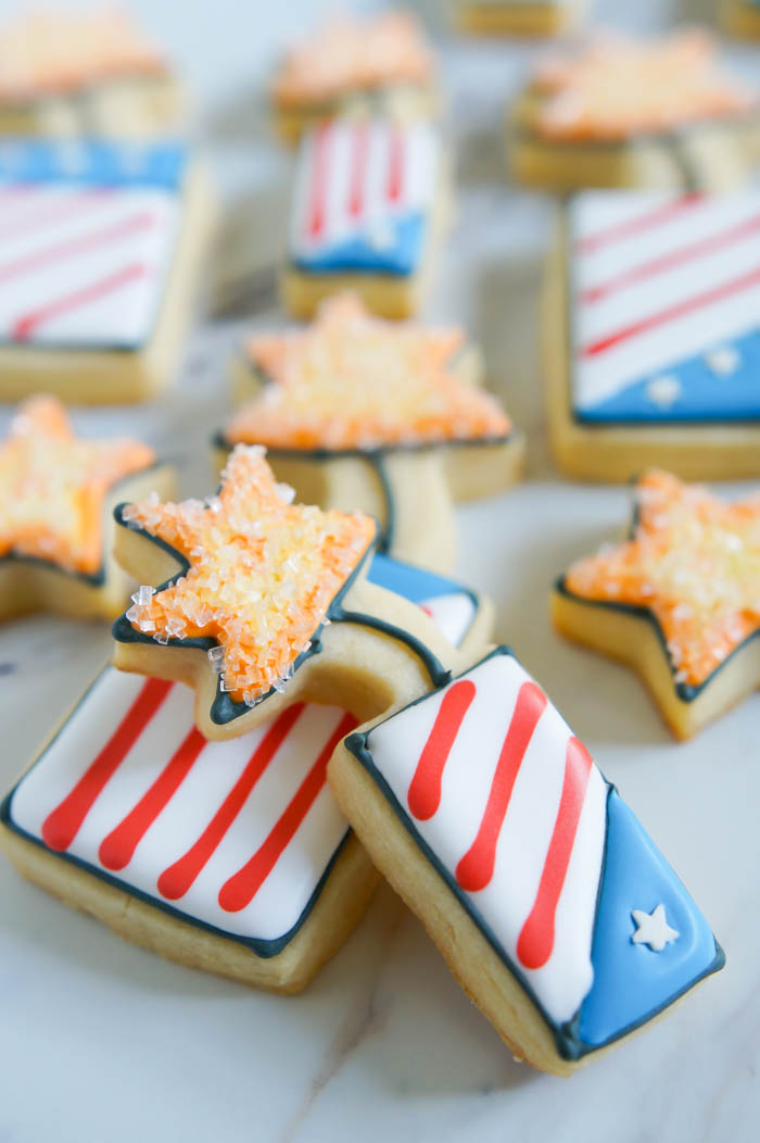 How to make Fourth of July Fireworks decorated cookies | bakeat350.net