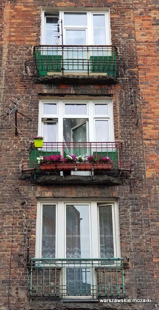arszawa Warsaw Praga Północ ulice Pragi Północ praskie klimaty architektura zabudowa kamienica balkon