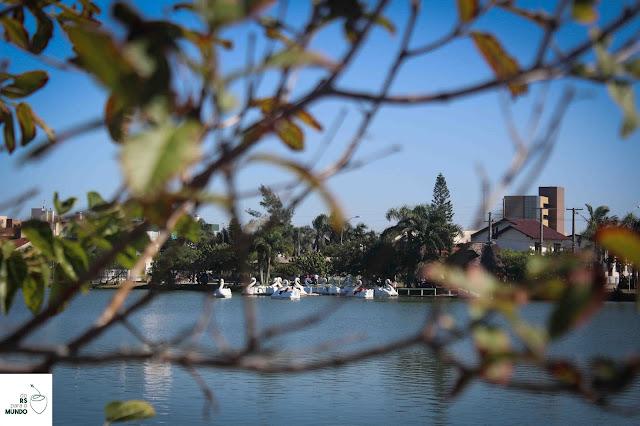 Lagoa do Violão e seus pedalinhos