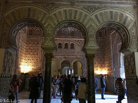 Arcos de herradura del salón de los embajadores. Reales Alcazares de Sevilla.