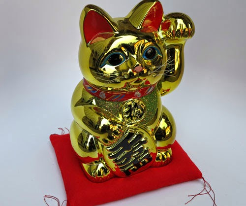 Maneki Neko Left & Right Hand Meaning.