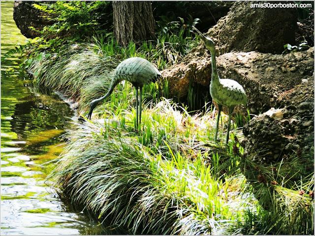 Escultura de Garzas en el Jardín Japonés de Fort Worth