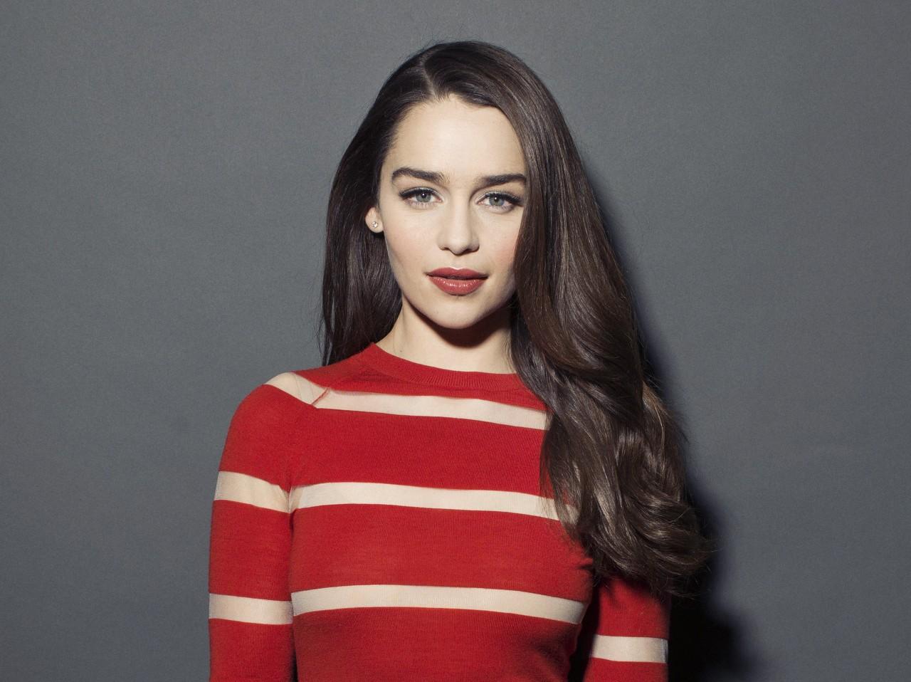 Emilia Clarke & More Stars Who Got Naked Onstage   E! News