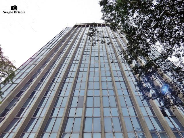 Perspectiva inferior do Centro Empresarial Mário Garnero - Jardim Paulistano - São Paulo