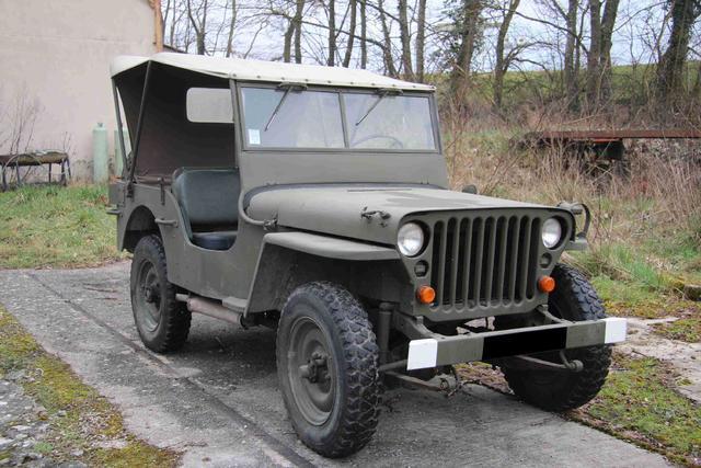 souvenez vous 44 vente aux encheres vehicules militaires. Black Bedroom Furniture Sets. Home Design Ideas