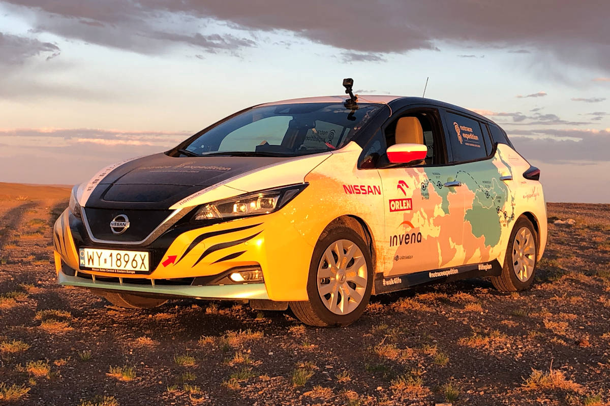 Adventurer Drives Nissan Leaf from Poland to Japan