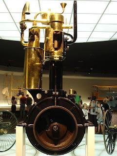 www.fertilmente.com.br - O motor já desenvolvido de Daimler-Maybach passou a ser usado para desenvolver automóveis