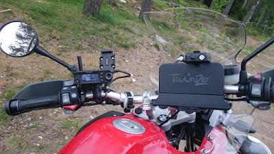 Hamien moottoripyörätkin oli omalla rigillä varustettuja :)