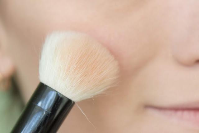 Повседневный макияж бюджетной косметикой: шаг 15