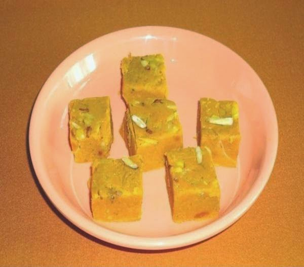 serve the mango barfi in a plate