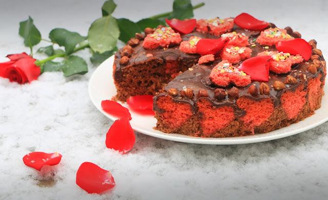 Kolač-sa-čokoladom-i-lešnicima-dan-zaljubljenih