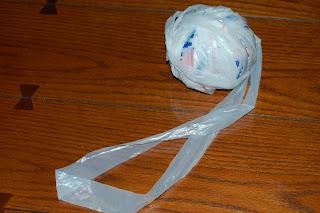 How to Make Plarn | www.petalstopicots.com