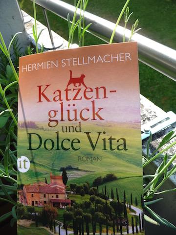 http://www.suhrkamp.de/buecher/katzenglueck_und_dolce_vita-hermien_stellmacher_36274.html