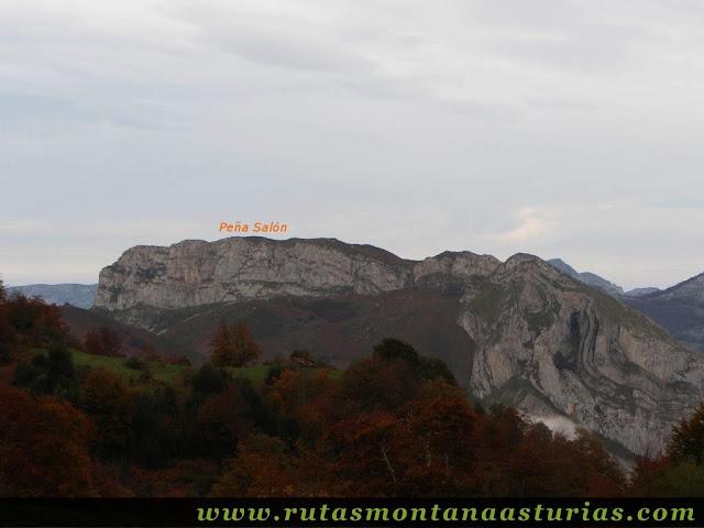 Ruta Bosque de Peloño: Vista de Peña Salón