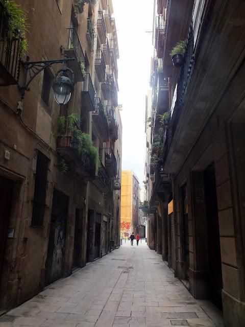 calles estrechas del barrio Gótico Barcelona
