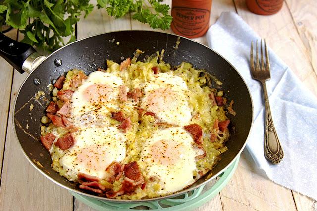 Jajka sadzone na porach, co na śniadanie, pomysł na śniadanie, jajka sadzone,