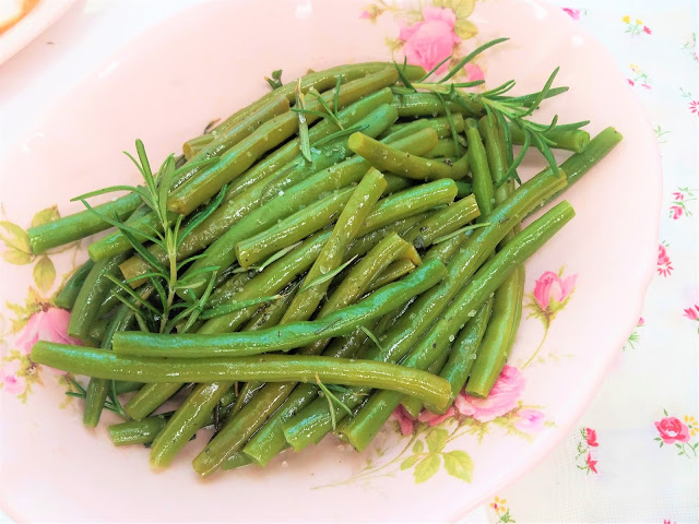 Glazed Green Beans with Hebs