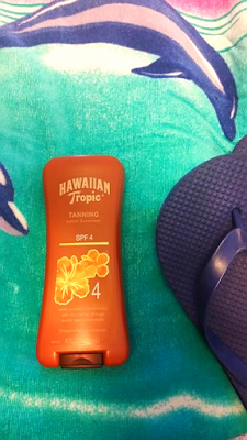 Ramblings Thoughts, Review, Video, Beauty, Suncare, Lotion, Sunscreen, Tanning, Hawaiian Tropic